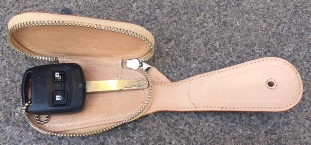キー付きヌメ靴ベラ